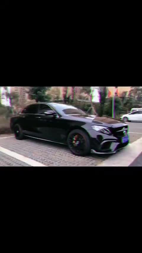 视频:奔驰E系听DJ当然少不了车载低音炮