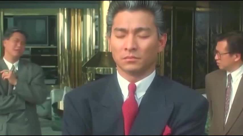 刘德华曾抱过的一个婴儿,如今已是香港巨星,说出名字不敢不相信