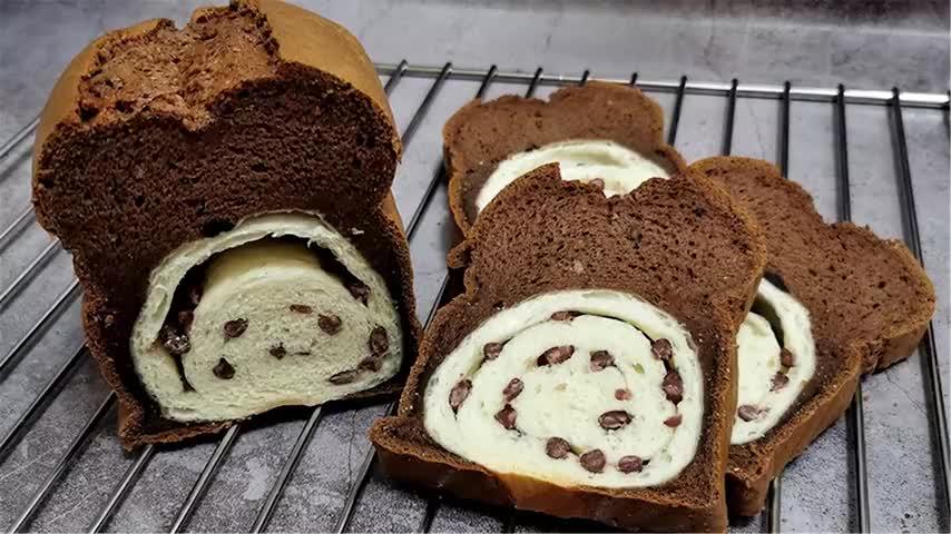 黑钻面包完美配方,双重的口感,不一样的味道,难怪敢卖这么贵