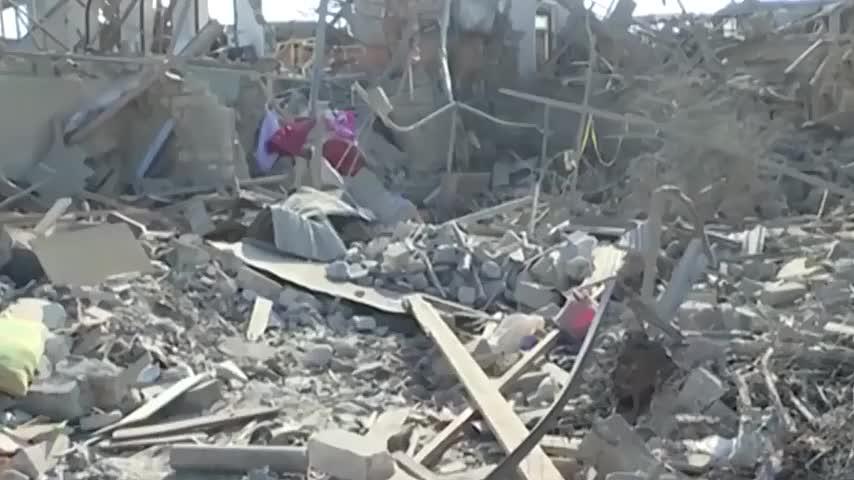 大批火箭弹击中市中心大楼,阿塞拜疆第二大城市遭袭,死伤惨重