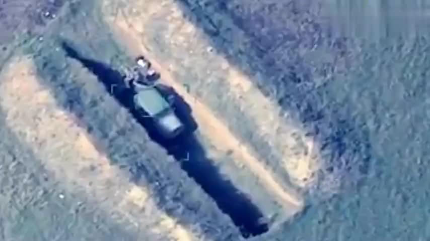 阿塞拜疆炫耀歼敌战果无人机直插亚军腹地,坦克大炮逐个化为废铁