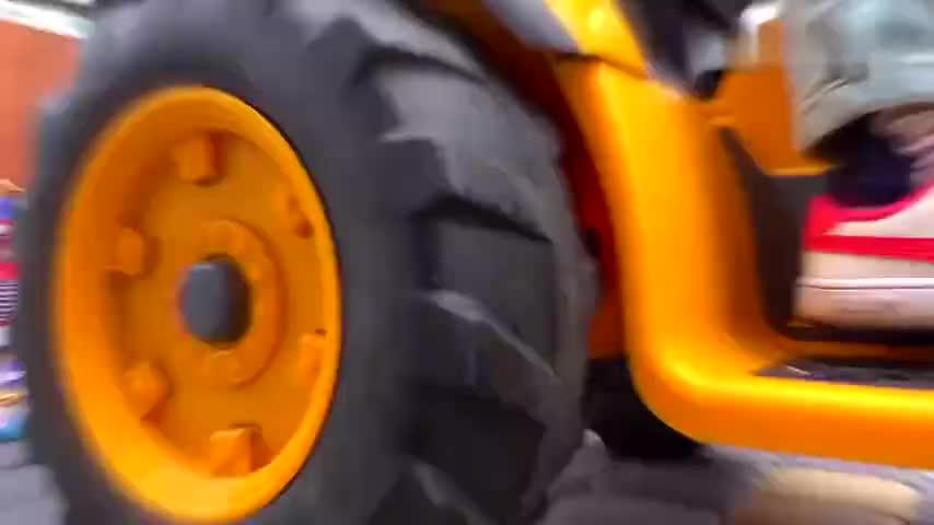 打字机台油罐车混凝土运输车Bruder和警察̆skye alex玩新玩具