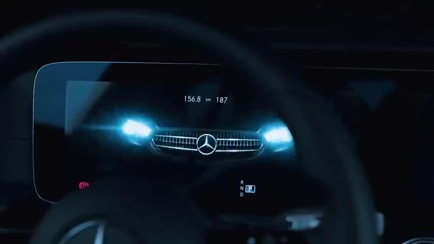 视频:2020款奔驰E级亮相,能促进现款奔驰E级销售上量的节奏