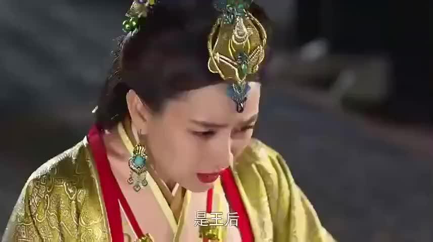 秦王给芈月放血,反而救她性命,转头就封了芈姝王宫