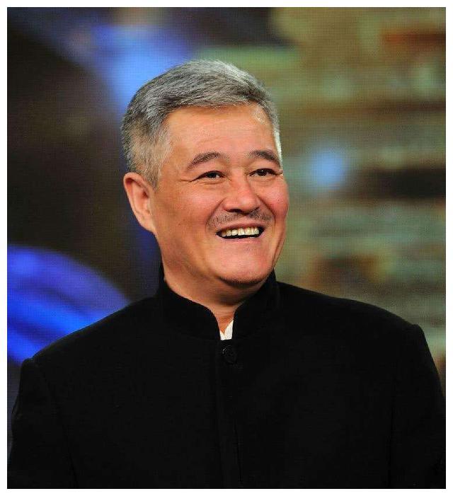 同样是赵本山的女儿,赵玉芳独立,赵一涵靠父亲名气进入娱乐圈
