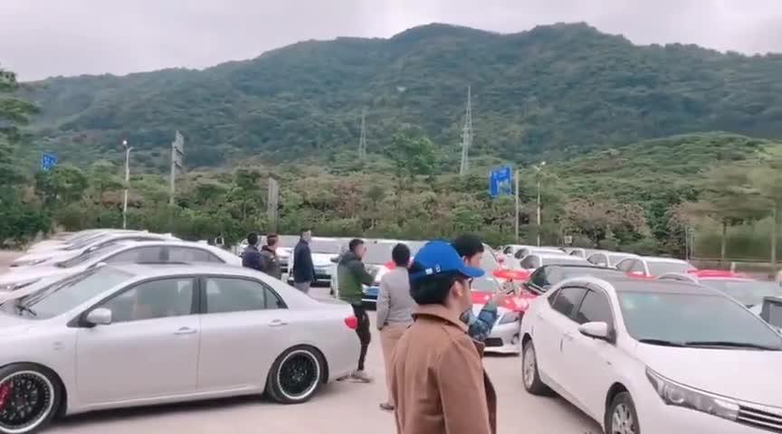 视频:卡罗拉车友以车会友聚会