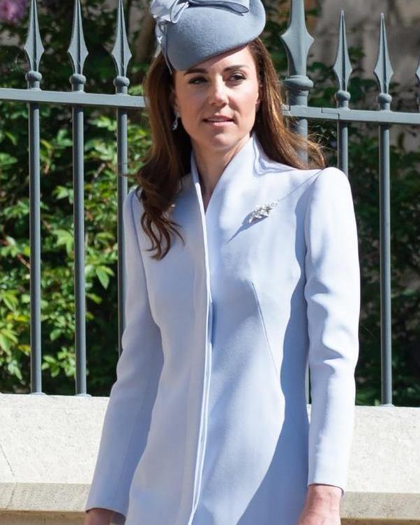 凯特王妃一天换两身衣服不低调,公主发与梅根撞发型,谁更胜一筹