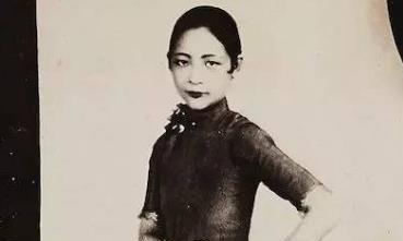 她是民国最时髦的女王,从小名牌无数,离婚后前夫仍对她念念不忘