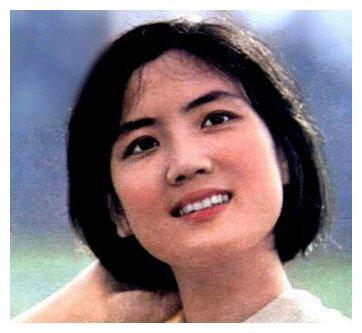 李秀明:刘晓庆为她甘作配,转行卖薯片23年,40岁成亿万富婆