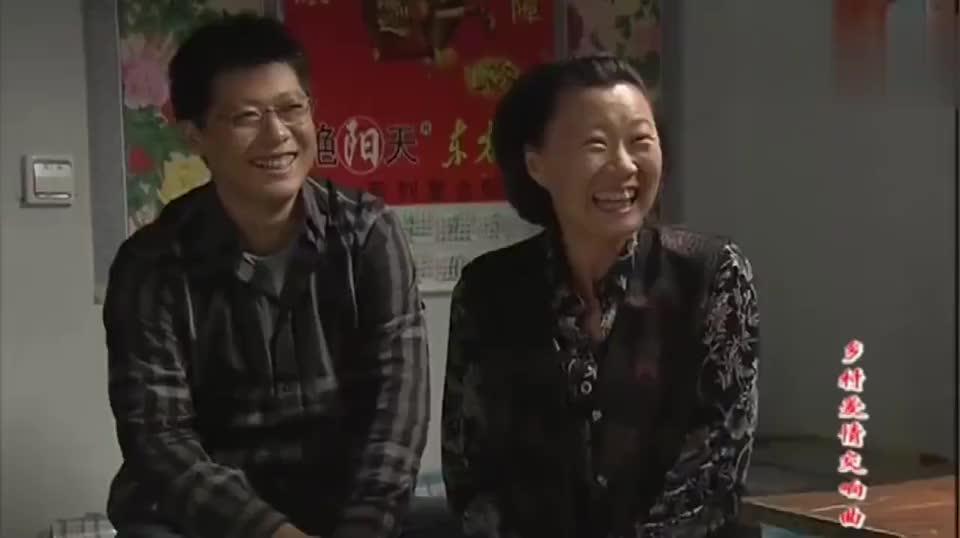 谢广坤新造型闪亮登场一家人都忍不住笑他还挺乐呵太好看了