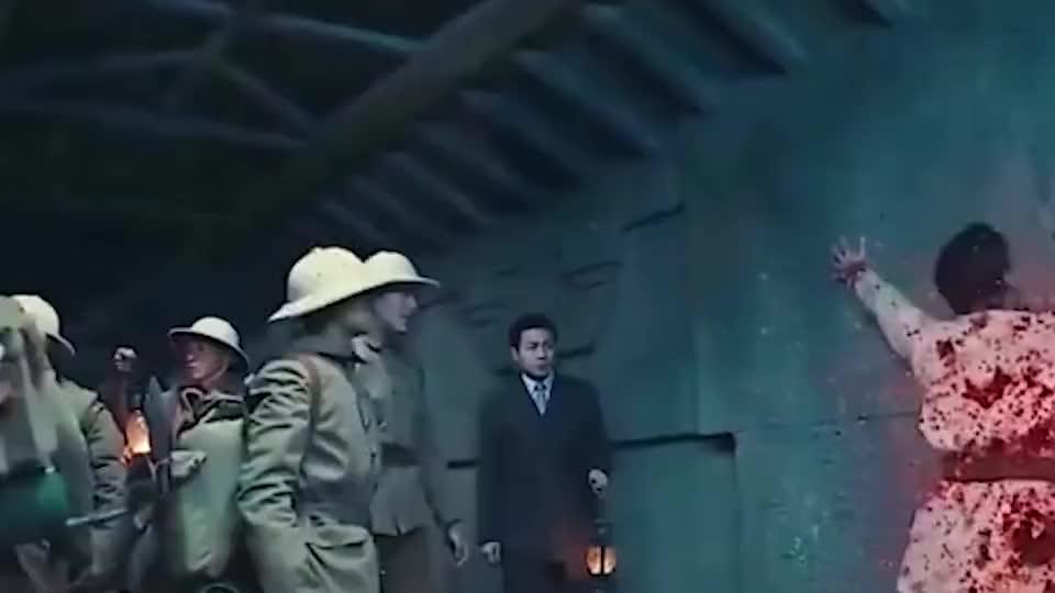地道工人挖到伙伴的尸体,当场吓坏了!