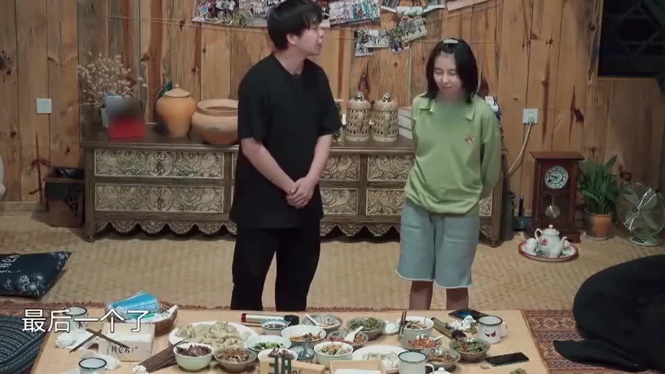 彭昱畅张子枫现学现用,初次搭档表演相声,妹妹说河南话太好玩!