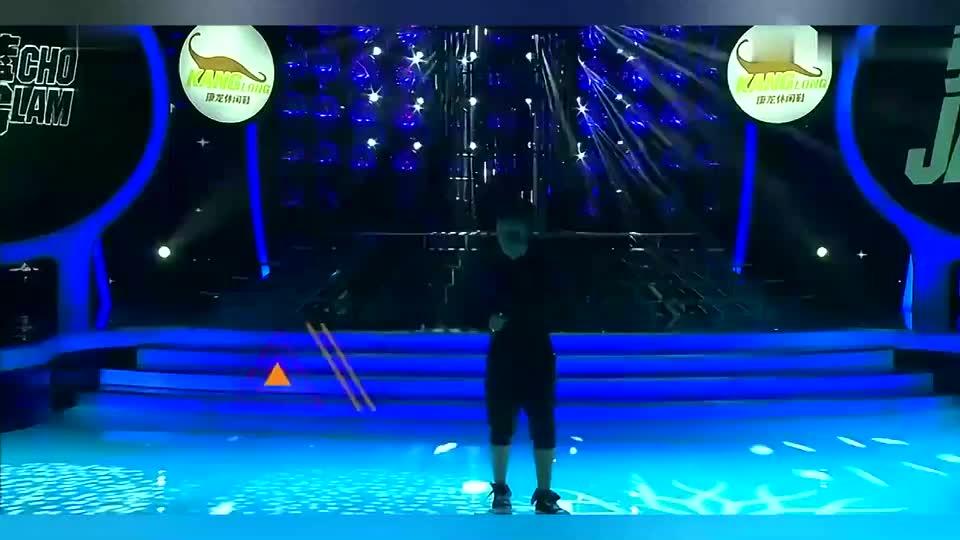 王祖蓝模仿歌神张学友唱歌,本以为是来搞笑,一开嗓惊艳全场!