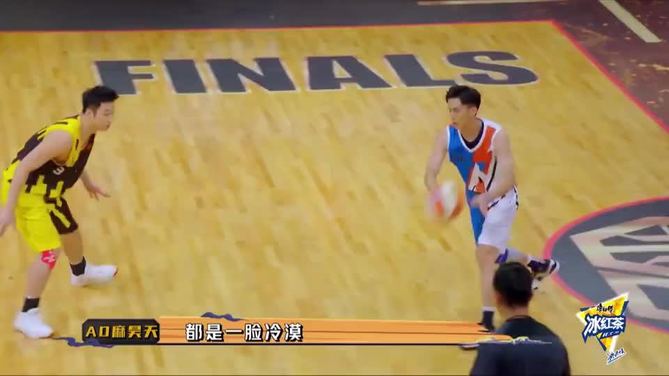 赵志忠投三分后闪电速度自抢篮板,张梓晨三分命中,局势紧张