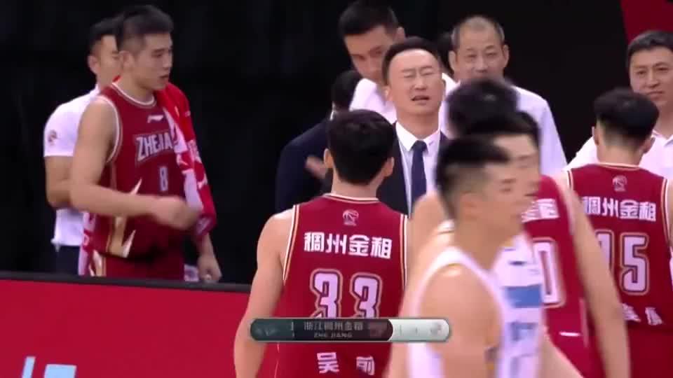 在北京队的严防下,吴前末节才投中首个三分