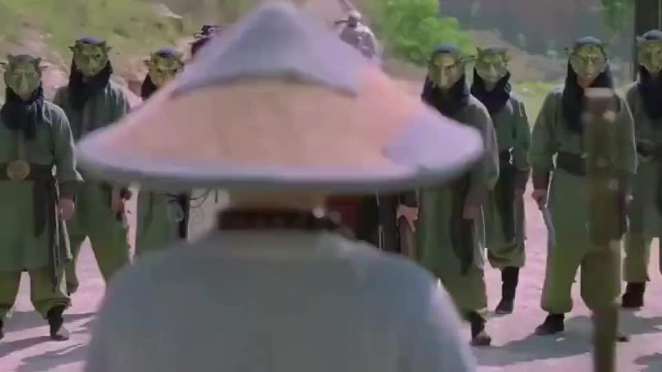八荒高手就他们想来杀和尚,他练就了厉害的武功,敌人全被反杀