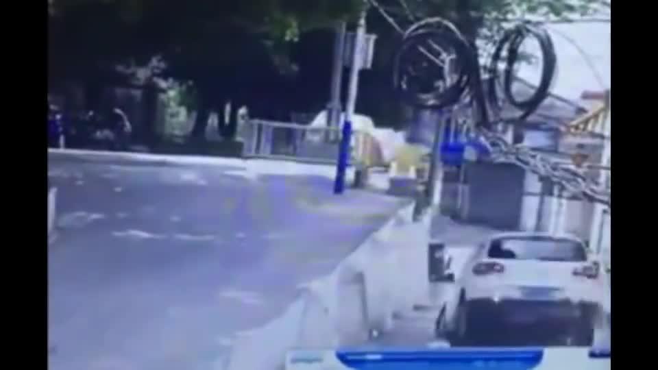 视频:这个开途观倒车的女司机,要火遍网络