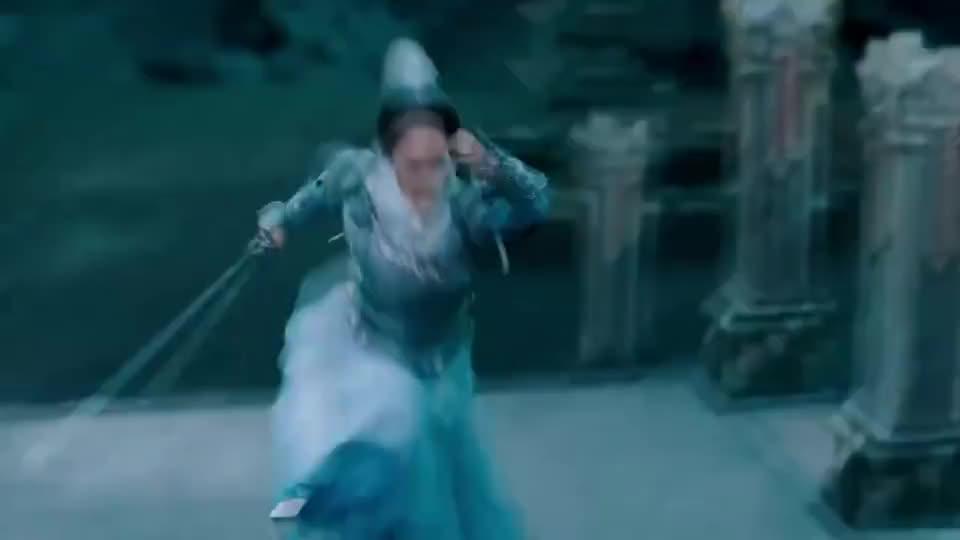 琉璃:殿内修罗煞灵不断攻击二人,司凤与璇玑只能,被迫联手