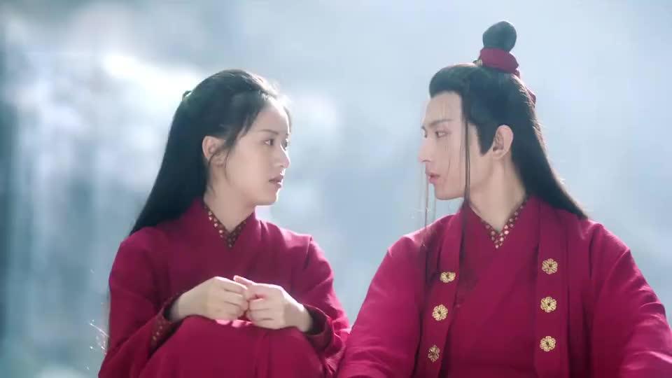 琉璃:璇玑慌张过往和所见的事实,多亏司凤在身旁,劝慰她的情绪