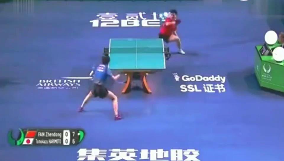 樊振东用实力告诉张本智和,你以前玩的只是少儿乒乓!
