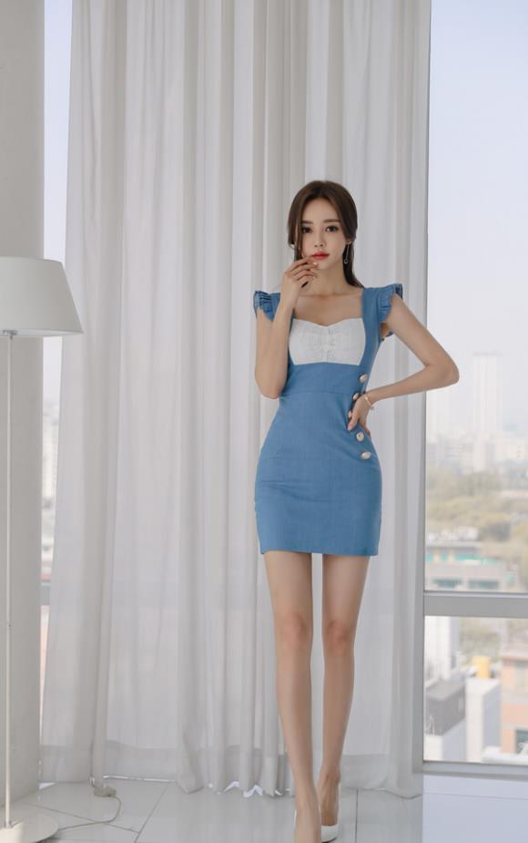 孙允珠高清美图:淡湖荧蓝扇叶公主衣裙