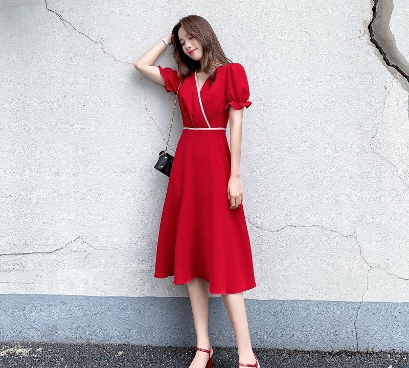 超显女人气质的夏季连衣裙,既显高又遮肉显瘦