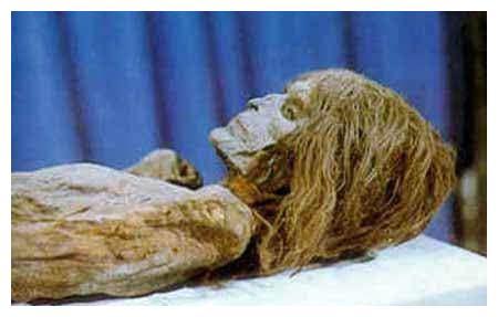 明代不腐古尸是谁?武夷山悬棺是什么?这是如何放到绝壁上的?