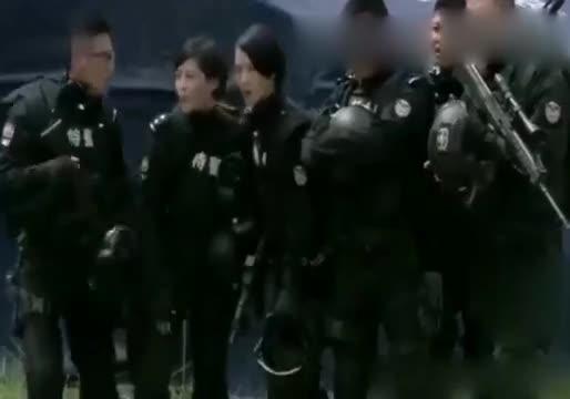 《特警力量》小师妹疯狂追小队长,其他人都不开心了