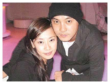 张卫健张茜:结了3次婚,痛失两个孩子,不离不弃走过22年