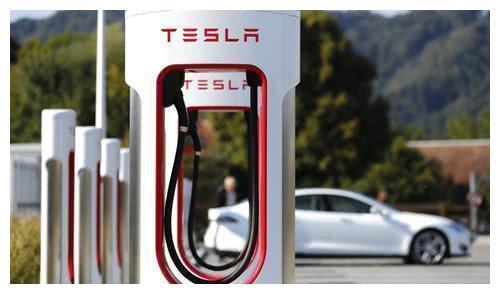 上海市经信委吴金城:上海将进一步加快新能源汽车充电桩新基建