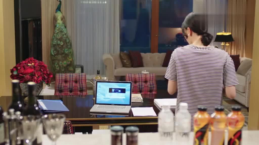 宁馨看到信和电脑里的东西,质问隋然,他却急了
