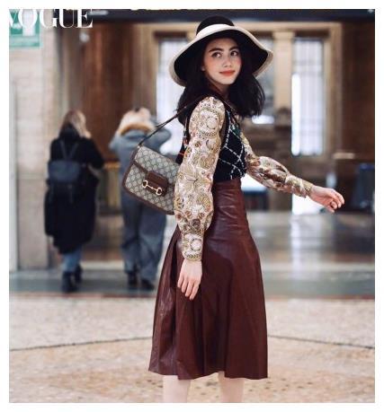 不愧是泰国第一神颜!Mai亮相米兰时装周,红蕾丝上衣性感美艳!