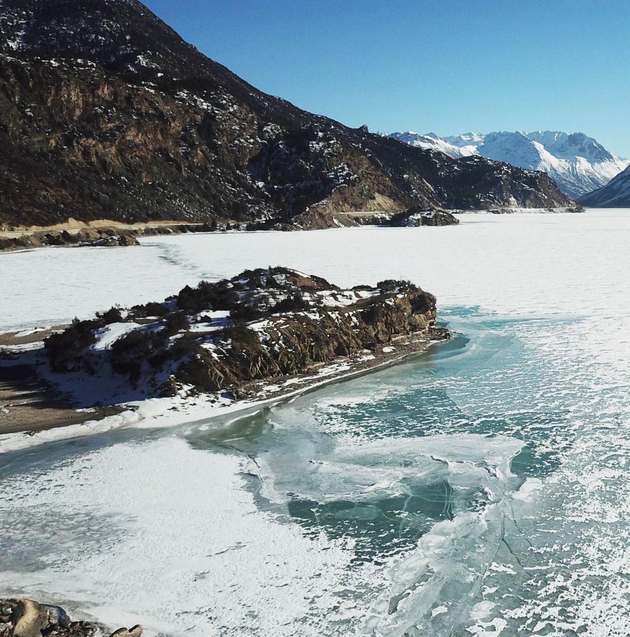 西藏线,穿越昌都直抵拉萨,然乌湖天然来古冰川天然探险,冰裂了