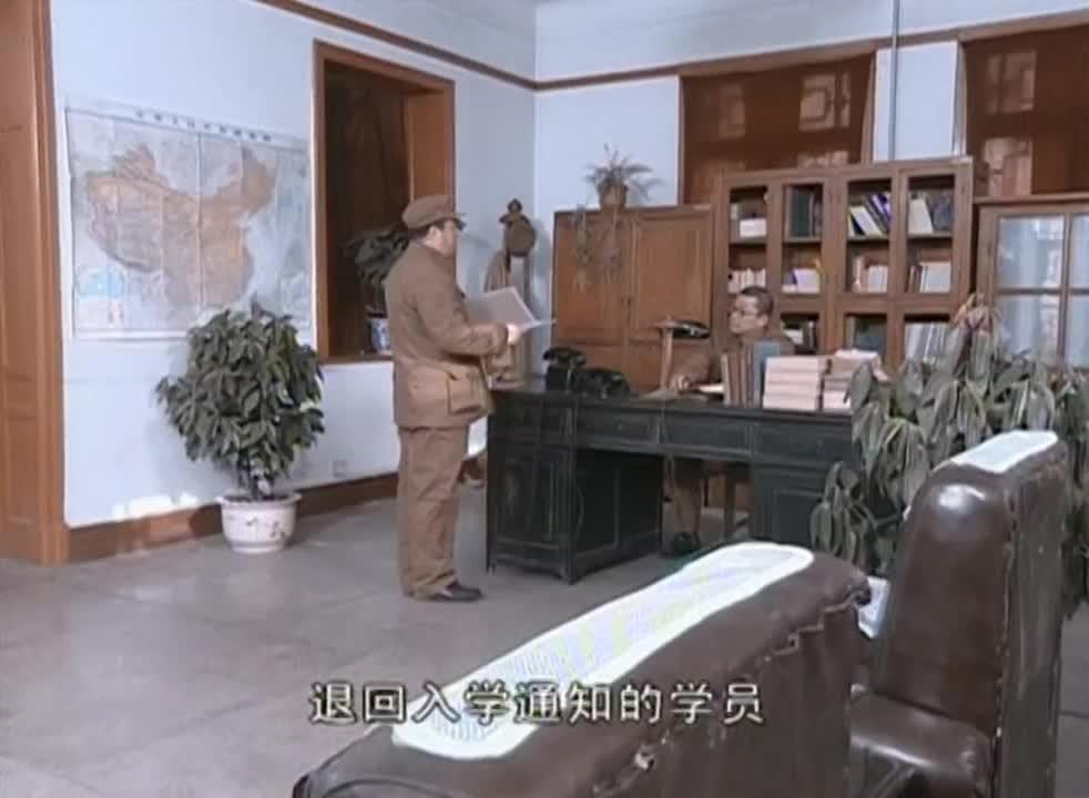 亮剑:李云龙去军事学院学习。结果还没进门,就被人缴了械…