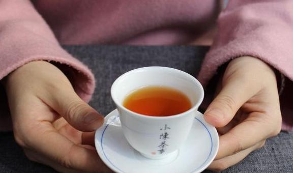 喝红茶,都说盖碗冲泡最佳,那用紫砂壶泡合适吗?