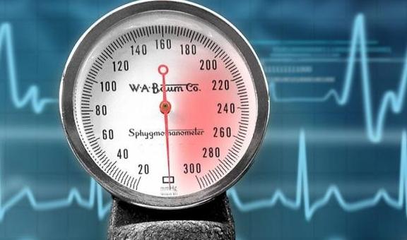 一家人全部患有高血压,与厨房的这些调料有关,或许我们也经常用
