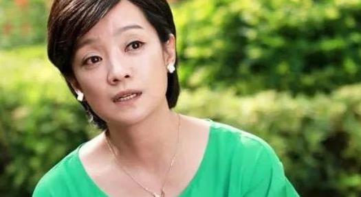 她离婚获得24亿分手费,二婚嫁给张嘉译,如今50岁