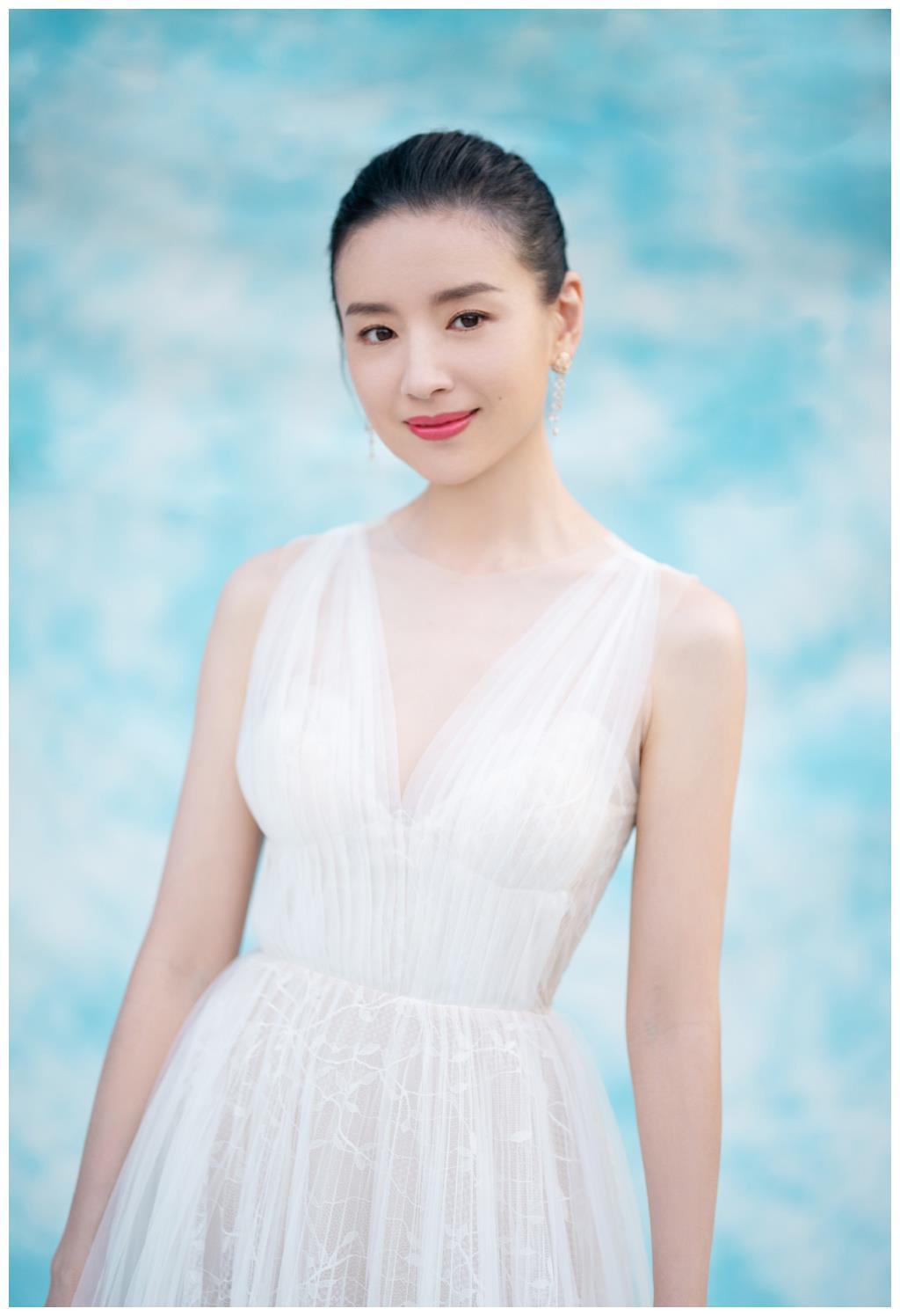 《金粉世家》剧中演员各不相同,陈坤单身,董洁离婚,她意外离世