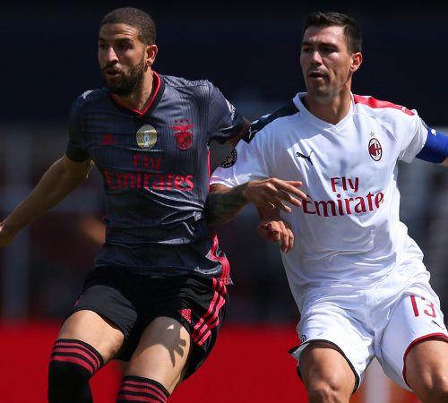 米兰崛起进行时,詹保罗旗下米兰踢出美丽足球,输球无碍球迷高兴
