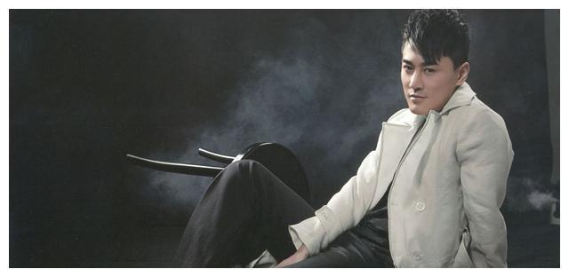 吴卓羲40岁翻红,内地片酬可观苦练普通话,妈妈同意未婚先生子