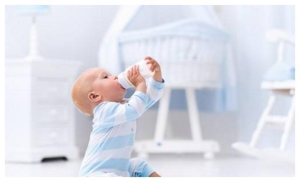 宝宝睡眠质量低,容易导致发育迟缓,妈妈要做好这4件事