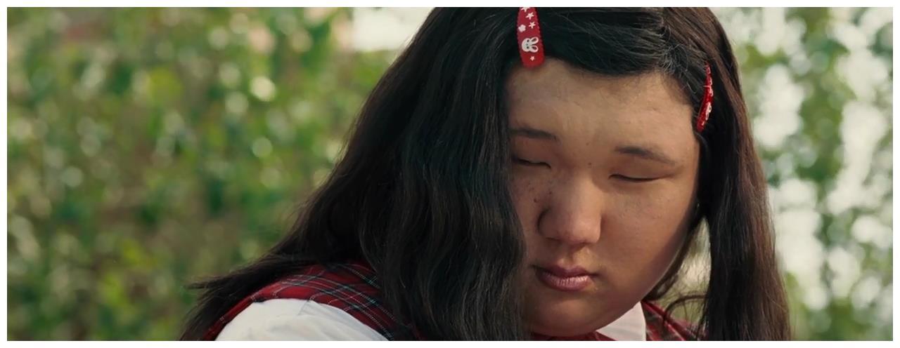她是《长江七号》中巨人班花,剧外身份让人吃惊,只有星爷请得动