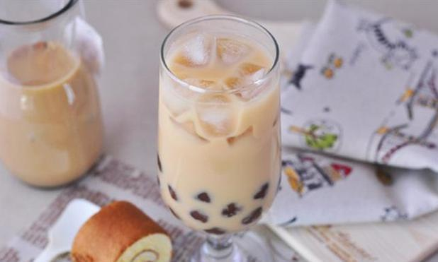买奶茶时,明白人从不加这4种配料,全是添加剂,老板:内行人