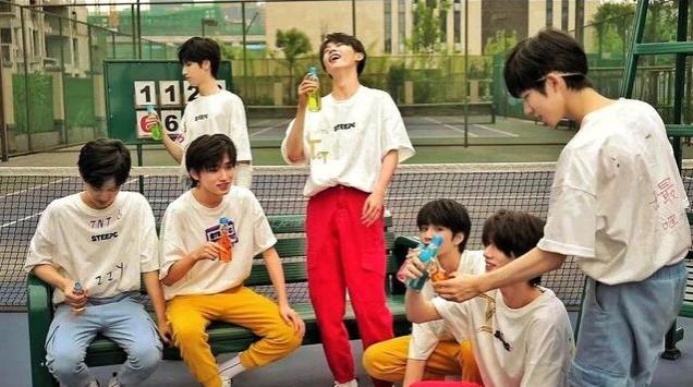 时代少年团粉丝低龄化严重,新歌碰瓷SHINee?时代峰峻策划抠脚