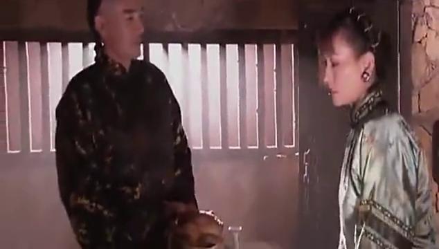 白七爷因杨九红被抓进大牢,堂姐气得落泪,一句话令白七爷愣住了