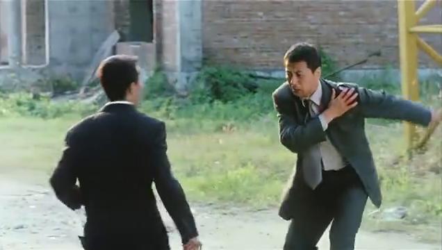 电影别问我是谁:看郑浩南身手敏捷如何制服黑帮老大!