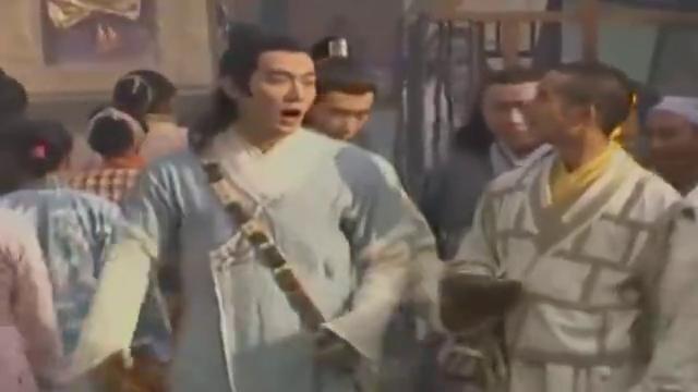 武当:小姐街上做义卖,丞相儿子来捣乱,少林寺和尚出手相救