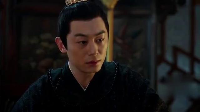 朱瞻基高高举起胡善祥的孩子,逼她说出与汉王勾结真相