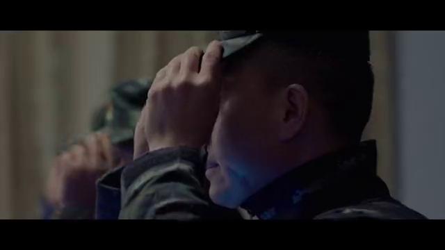 影视:武警部队与武装团伙交火,战斗激烈,不料对方竟拿出火箭筒
