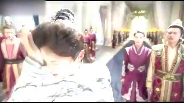 陈长生摆脱黑袍的控制,说了2个字,就让秋山君的戒指破碎
